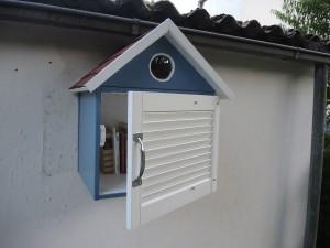 Die ersten Bücher sind schon drin. Und im Dachgeschoss wohnt jemand...