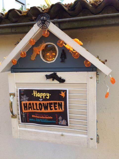 Halloween Bücherschränkle